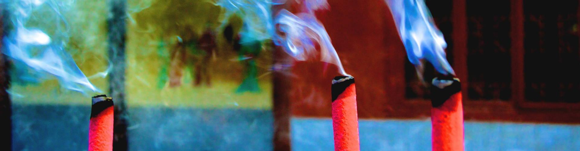 incense burnng