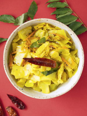 Stir-Fried Cabbage with Turmeric