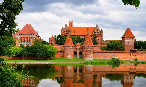 Экскурсия в рыцарский замок Мальборк с посещением Эльблонга