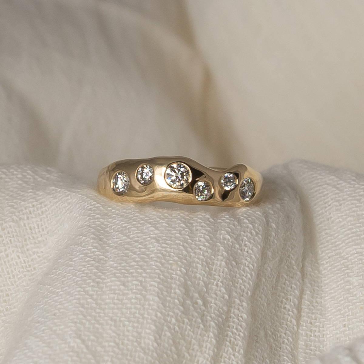 6-diamond-gold-tidal-ring