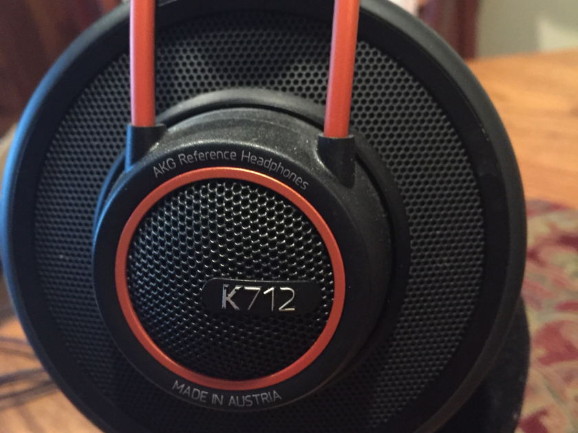AKG K 712 AKG K712 pro over the ear Headphones