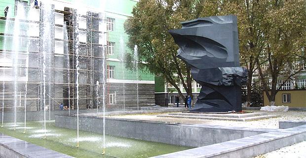 В Самаре в День радио откроют скамейку с магнитолой и новую скульптуру - Новости радио OnAir.ru