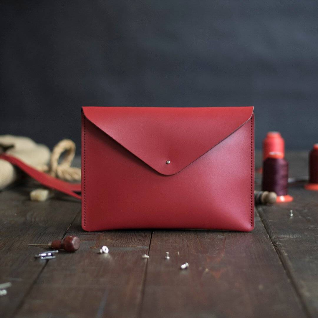 Red Standard Leather Clutch Bags