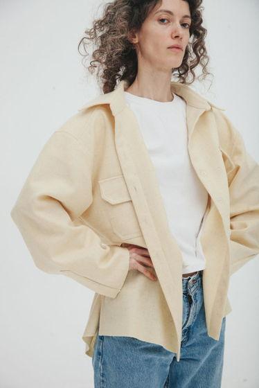Куртка-рубашка из шерстяного сукна *молоко* oversize, необработанные края