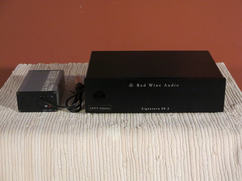 Red Wine Audio Signature 30.2 LFP-V Edition Power Amplifier