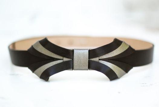 Черный кожаный ремень с тройным бантом
