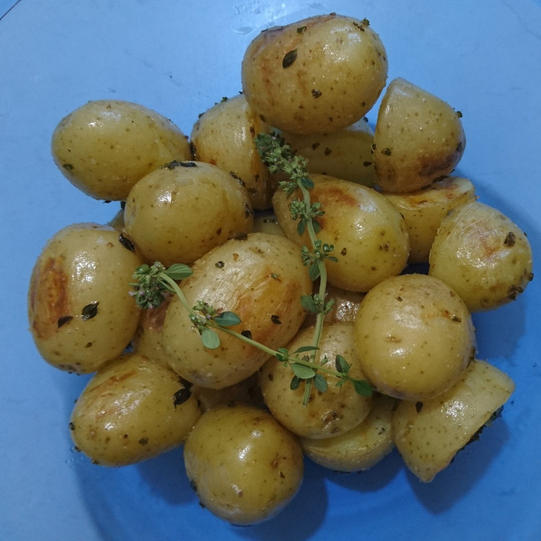 Date: 26 Dec 2019 (Thu) 25th Side: Baby Barbecued Potatoes [160] [134.3%] [Score: 9.0] Side dish for my birthday lunch.