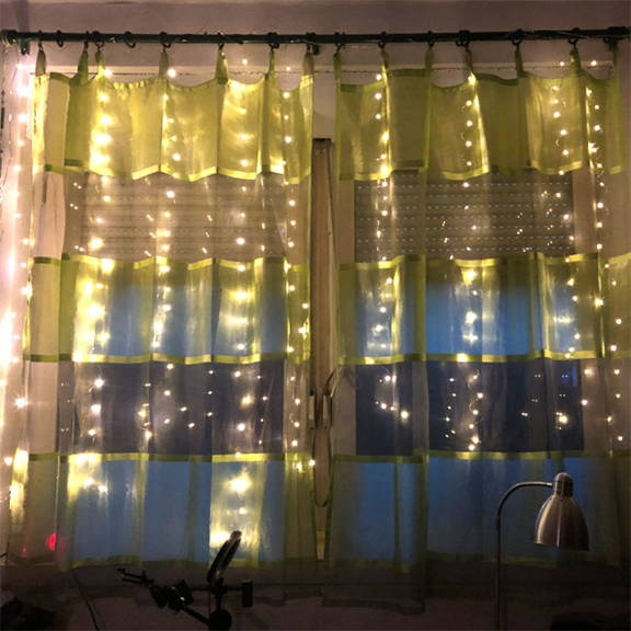 LED curtain fairy lights with warm glow and remote control with 7 different light effects
