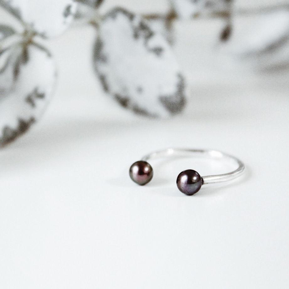 Кольцо 'Pearl-2' серебро с черным жемчугом
