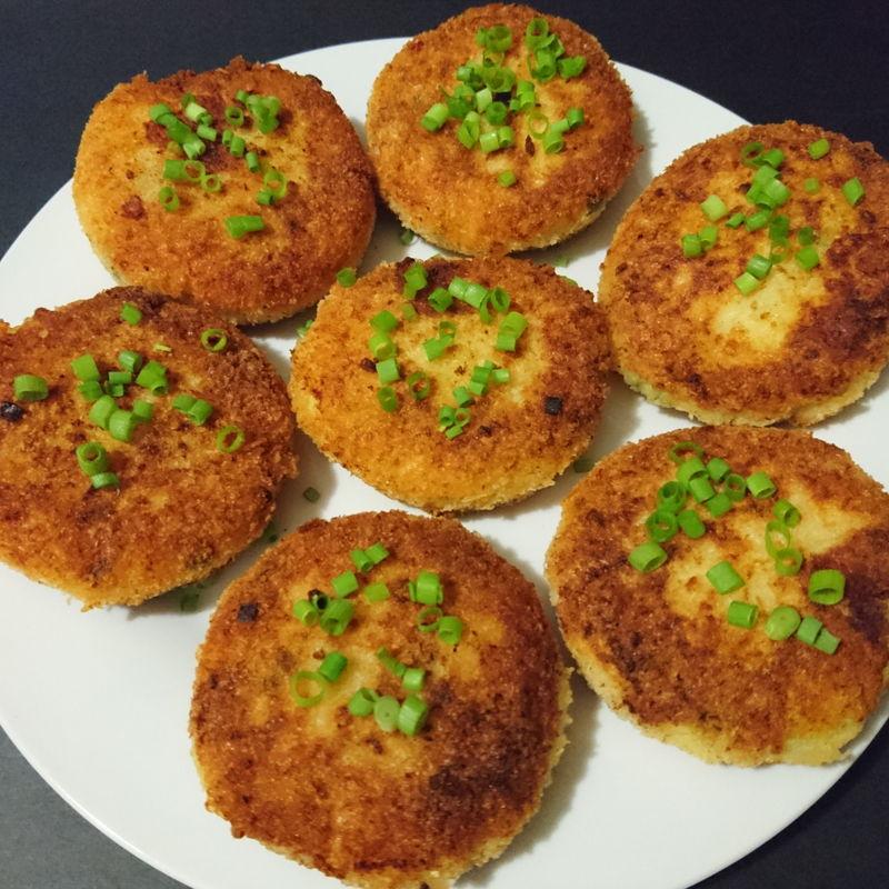 Date: 16 Nov 2019 (Sat) 10th Snack: Mashed Potato Cakes [104] [113.3%] [Score: 10.0]