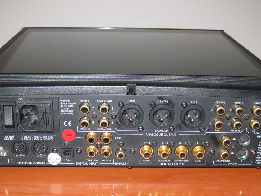 Meridian 568 Preamp. Shipping included.