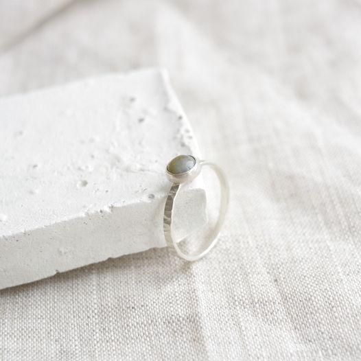 Кольцо из серебра фактурное с камнем. Моховой агат