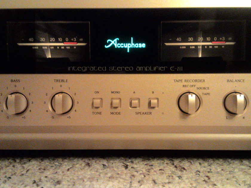 Accuphase E-211 with AD-30 MM/MC phono board