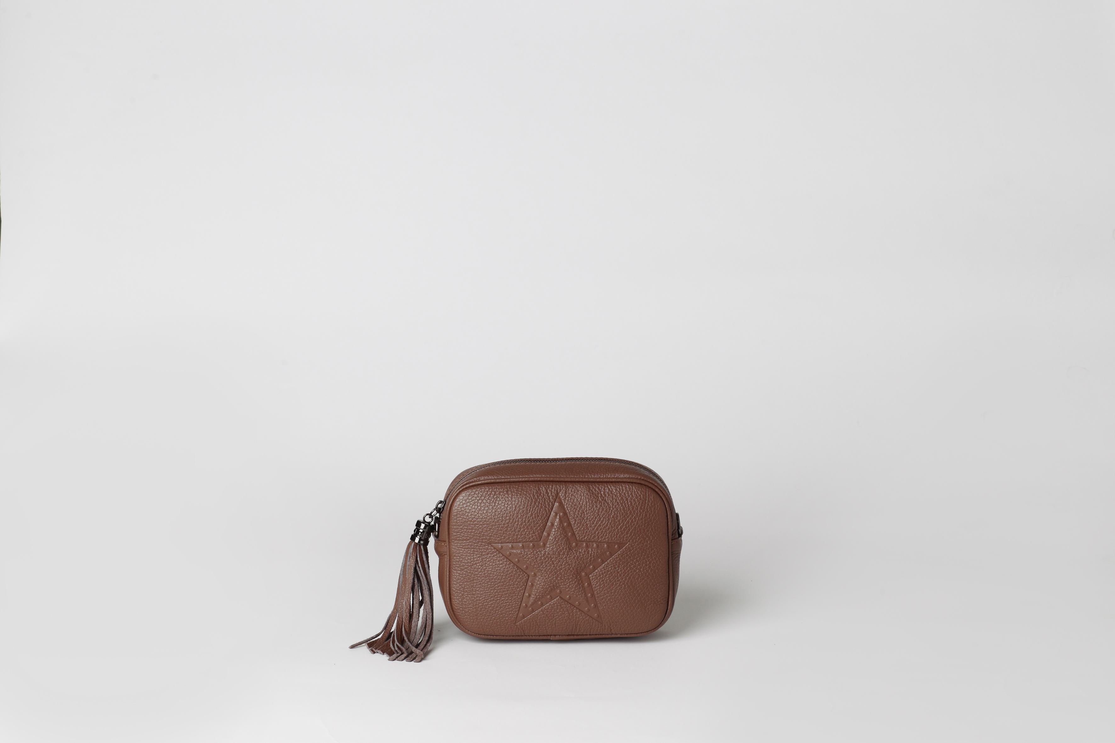 9b42495bd222 Кожаная маленькая сумка через плечо AMY leather mini cross body bag. В  наличии в Москве