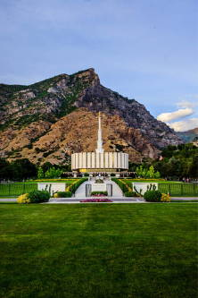 Vertical photo of the Provo Utah Temple.