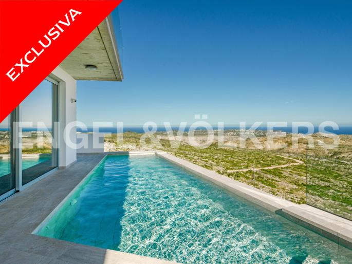 Avantgarde Villa with Infinity Swimming Pool and Panoramic Views in Cumbre del Sol