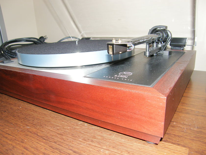 LINN SONDEK LP12 35% DISCOUNT MAGIK W/ PRO-JECT 9 CARBON TONEARM & LINN ADIKT CARTRIDGE 4 MO. FROM DEALER