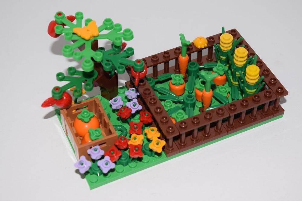 lego Carrot Garden