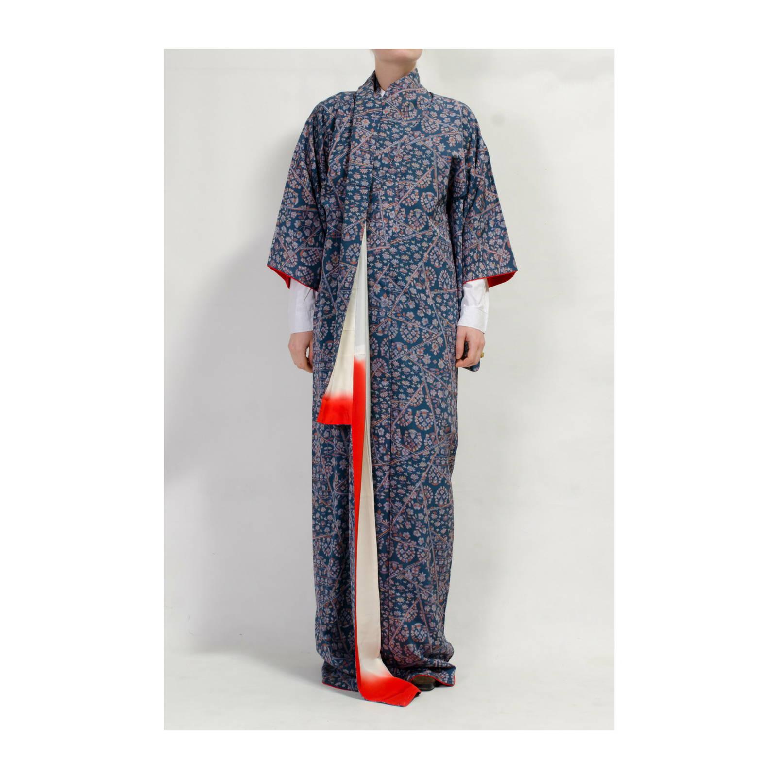 Japanese Kimono - Silk Robes - Online at Modern Archive Berlin