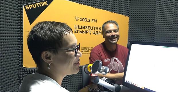 Поем и показываем: смотрите как на радио Sputnik дали джазу - Новости радио OnAir.ru
