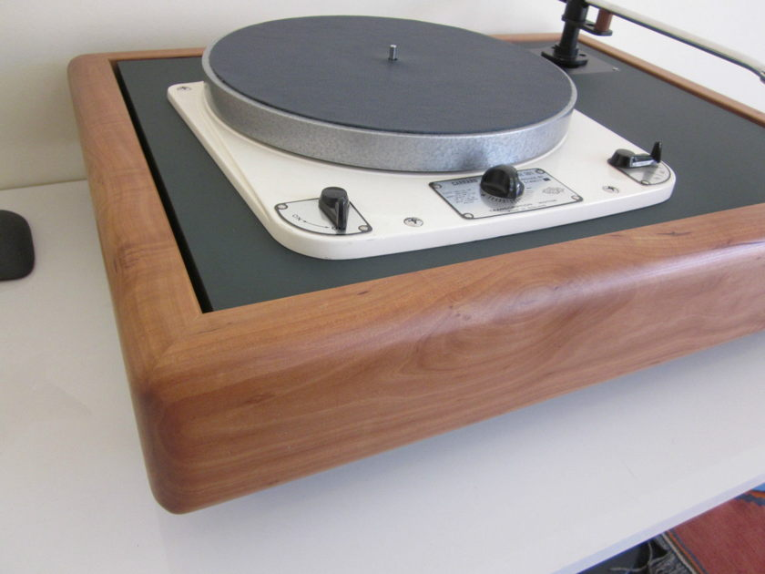 Vinylista - Garrard 301 / 401 / Thorens 124 / Technics SP10 -  Suspended Solid Wood Plinth          (made in Germany)