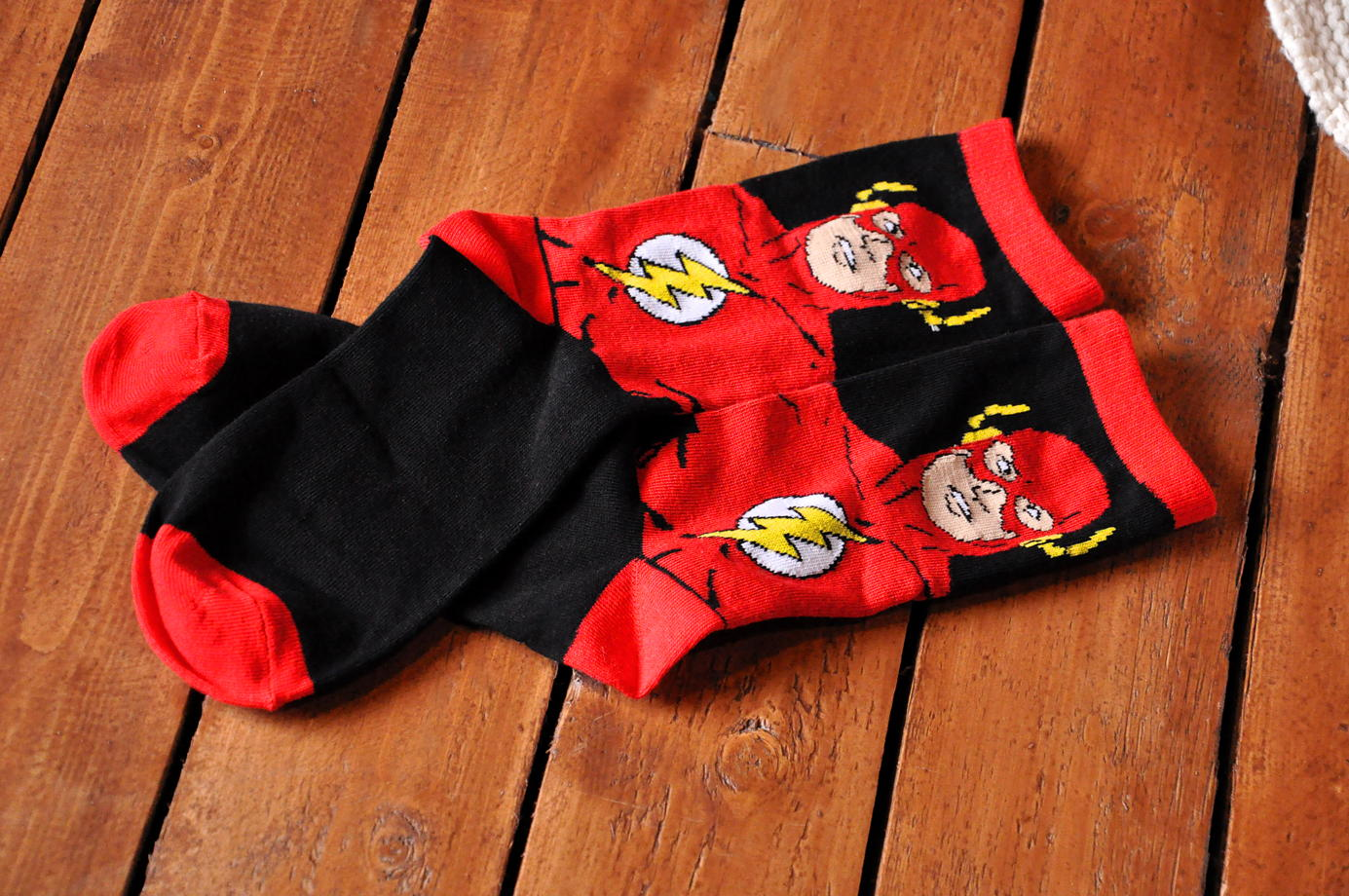 Подарочный набор носков Флэш 3 + открытка