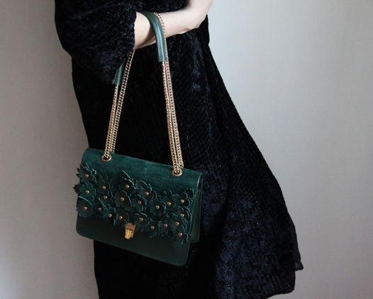 Кожаная сумка зелёная с цветами