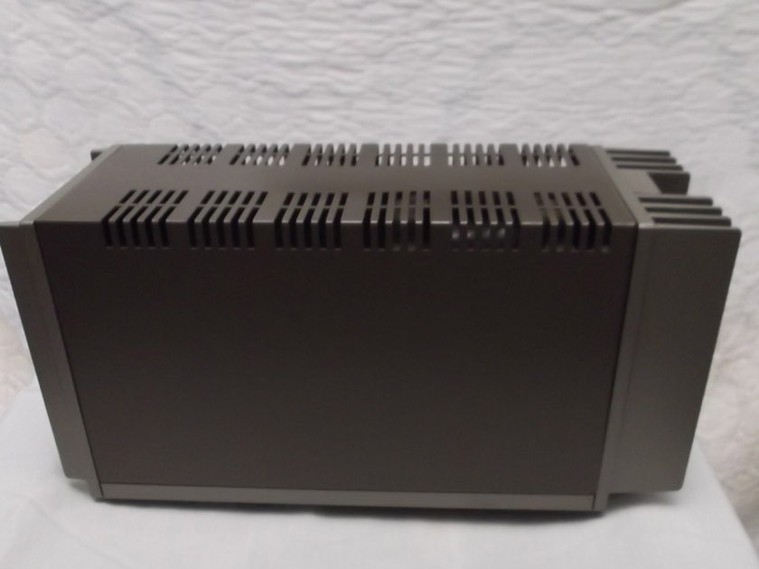 Quad 303 Amplifier