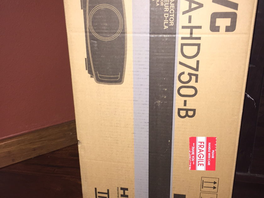 JVC  XRCD DLA-HD750-B Projector