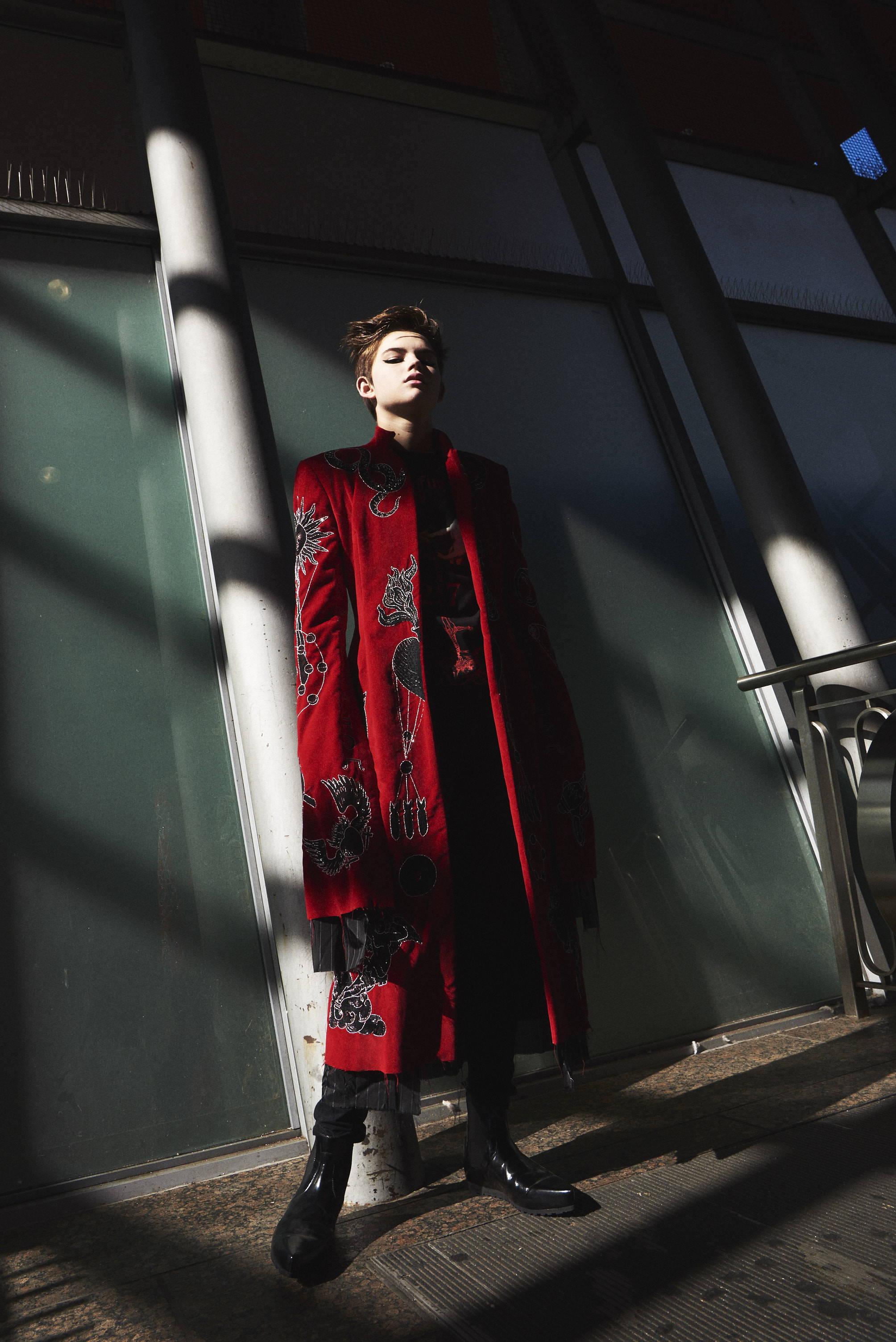 dilara findikoglu fw17 red velvet coat- HLorenzo womenswear