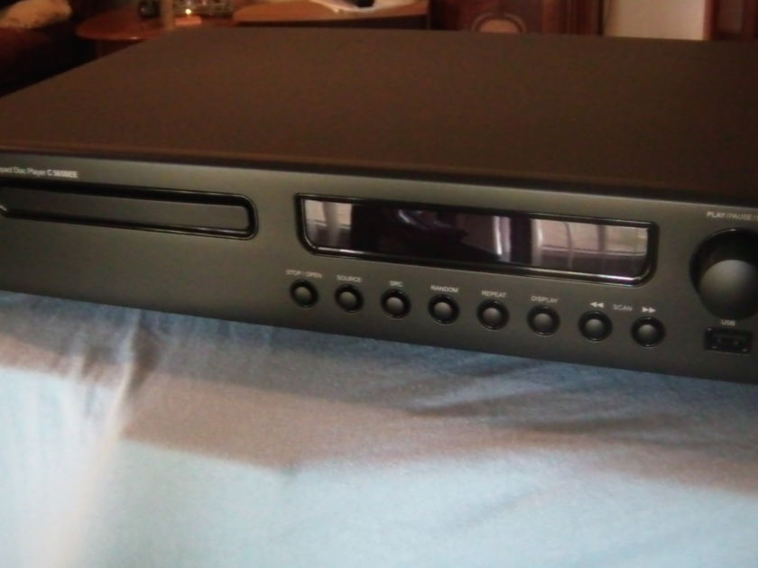 NAD C 565BEE CD player / DAC...Like New / Free Shipping