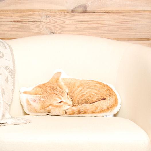 Подушка Рыжая кошка – льняная декоративная подушка в виде спящей рыжей кошки