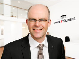 real-estate-agent-michael-holzrichter-engelvoelkers-elbe
