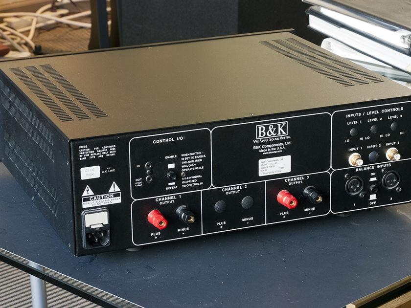 B&K  ST2140 Power Amplifier; 140w x 2