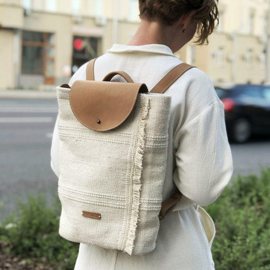 Текстильный рюкзак с кожаными лямками Flap Pack Dune/Nude