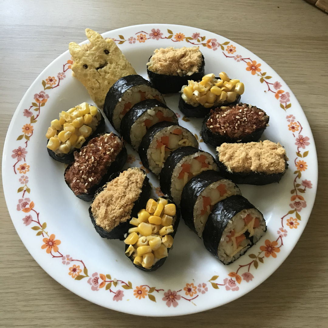 Kimbap / sushi for lunch 😆😝