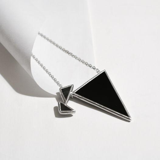 """Кулон """"Два падающих треугольника"""""""