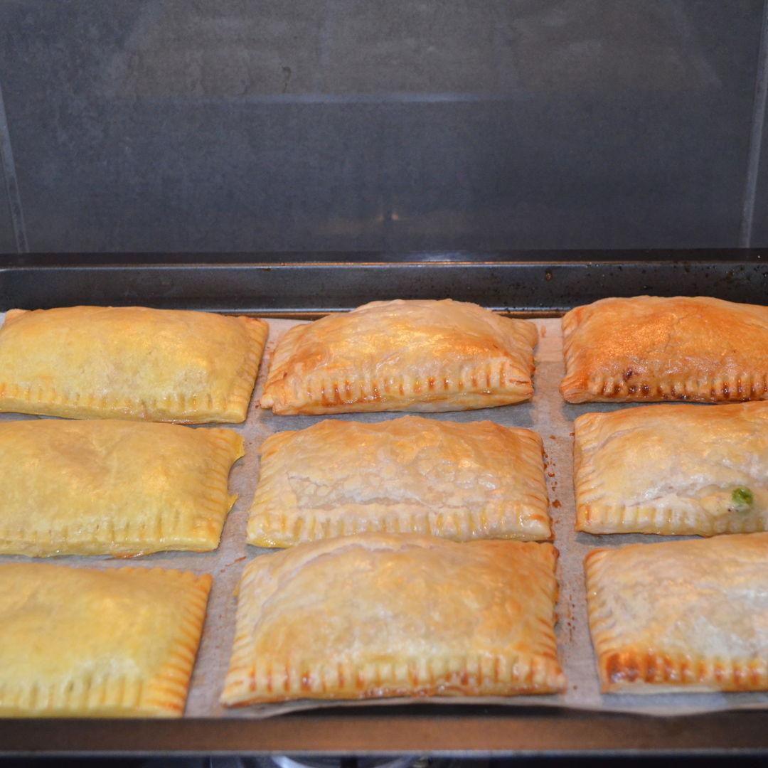 Date: 12 Apr 2020 (Sun) 2nd Pie: Tuna Pies [306] [158.4%] [Score: 9.5] Cuisine: Asian Dish Type: Pie
