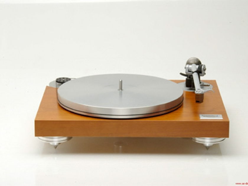 Acoustic Signature The MANFRED TURNTABLE W/ REGA 250 ARM  with speed box