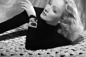 Famous Bis: Marlene Dietrich