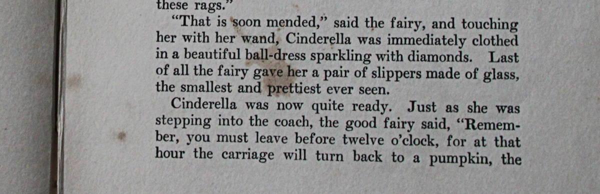 シンデレラに魔法がかかった様子のページ