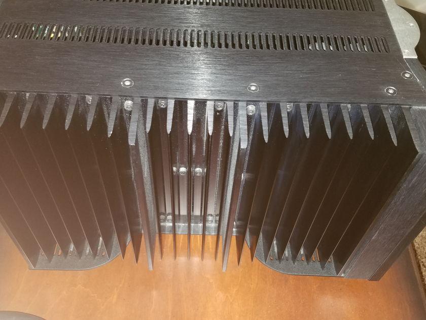 Krell  FPB-350mcx 2 350w monoblocks