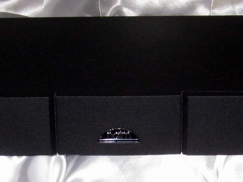 Naim Audio NAP-V175 3 channel power amplifier with cables