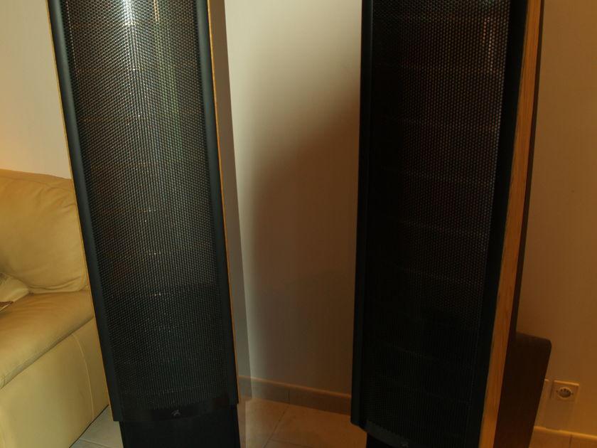 MARTIN LOGAN ODISSEY HYBRID ELECTROSTATIC LOUDSPEAKER
