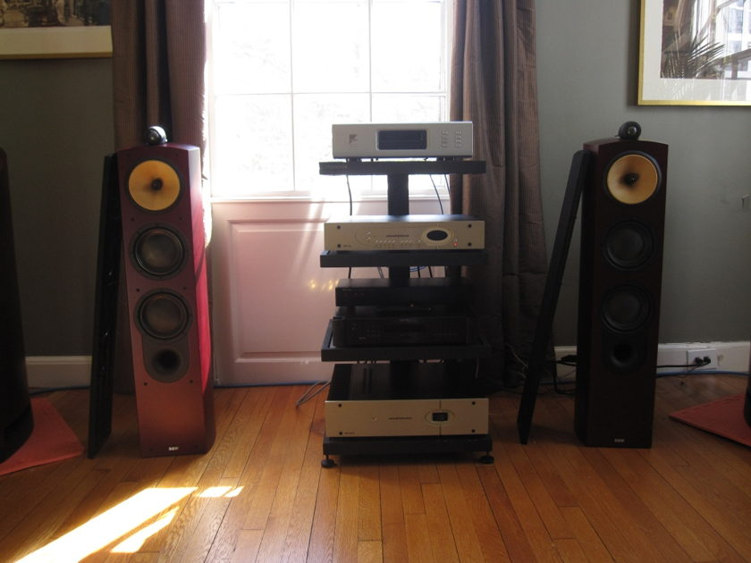 B&W Nautilus 804 (Rosenut)