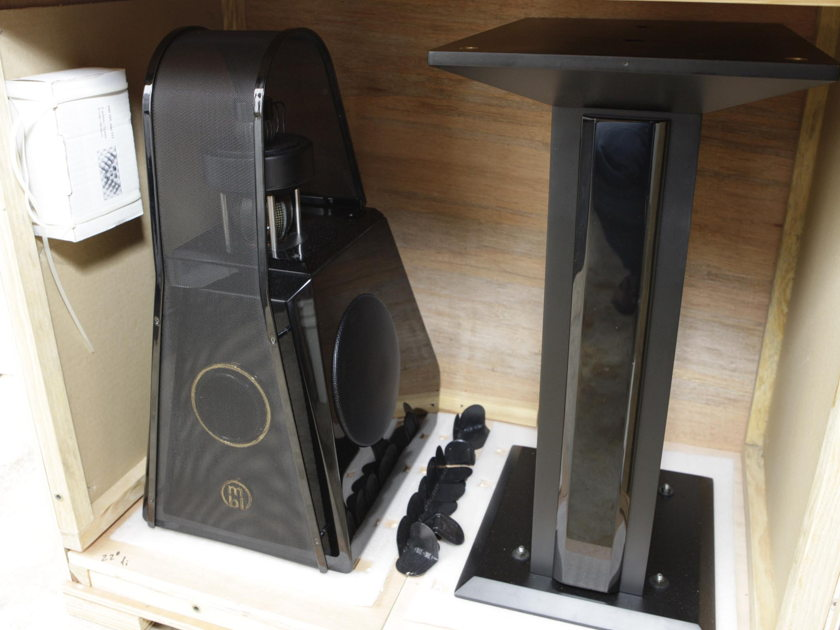 MBL 111 RC Radial Center Channel with stand.