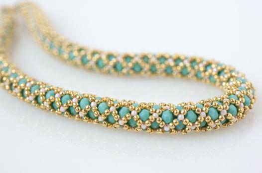 Ожерелье-жгут из японского бисера и чешских бусин