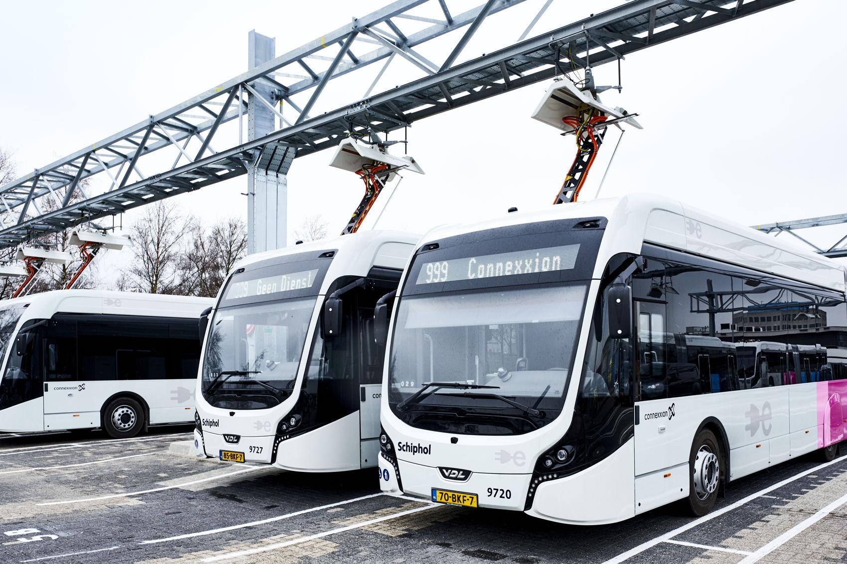 Elektrische bus - laadstation Schiphol 1