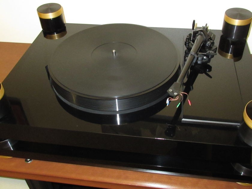 Basis Audio Debut Gold Standard Turntable W/SME 5 Arm