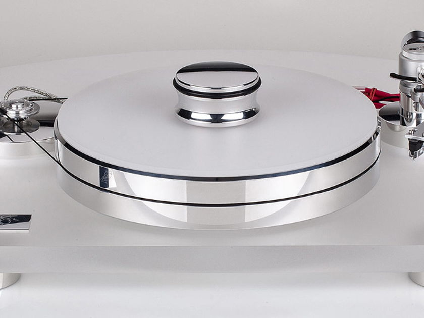 The stunning Transrotor Rossini  turntable with FREE tonearm and cartridge